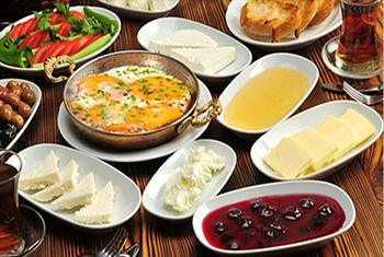 Merter �elale Restaurant'ta S�n�rs�z �ay E�li�inde Enfes Serpme Kahvalt� Keyfi 25 TL Yerine 16,90 TL! 2 Ki�i 29,90 TL!