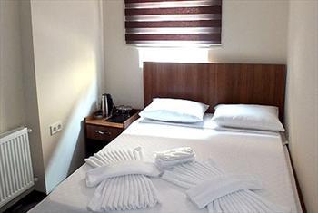 Elmada� City Plus Otel'de 2 Ki�ilik standart odalarda konaklama keyfi 99 TL'den ba�layan fiyatlarla!