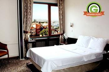 Kad�k�y Sidonya Hotel'de 2 Ki�ilik Konaklama, A��k B�fe Kahvalt� ve Odaya �kram 139 TL
