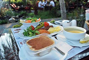 Bak�rk�y �ehristan Cafe & Restaurant'ta Ye�illikler Aras�n'nda Zengin ��erikli Enfes ��len Yeme�i Men�s� 35,50 TL Yerine 22,50 TL!