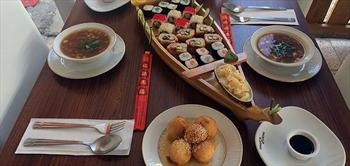 Paket�in Chinese Express Narlidere'de 2 Ki�ilik 24'L� Sushi Men�!