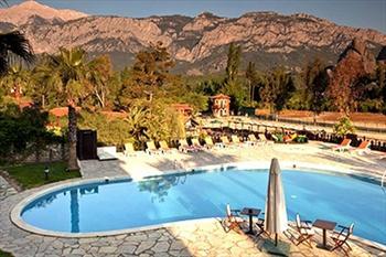 Hotel Berke Ranch'te 2 Ki�i 1 Gece Konaklama, Kahvalt� ve A��k B�fe Barbek� 199 TL