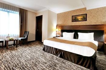 Rhiss Hotel Bostanc�'da 2 Ki�i Gecelik Konaklama, A��k B�fe Kahvalt� ve SPA 159 TL