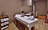 Qua Hotel Atatürk Airport Spa'da 50 Dk. Masaj, Kese Köpük, Islak Alan Kullanımı 49 TL'den Başlayan Fiyatlarla!