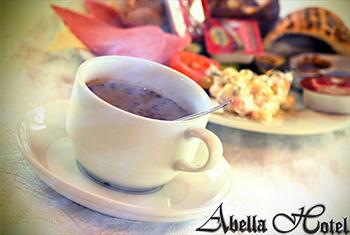 Sultanahmet Abella Hotel'de Tarihi Yar�mada'ya Kar�� Zengin �e�itleri �le A��k B�fe Kahvalt� Keyfi 35 TL Yerine 14,90 TL!