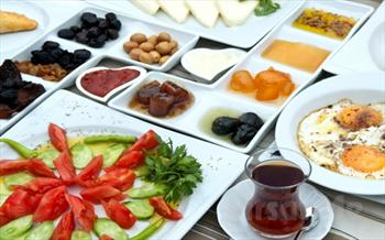 Ankara Grand S�la Otel'de �ehirden Uzak Havuz Ba�� Serpme Kahvalt� Keyfi Sadece 15.90 TL!