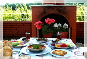 Beykoz Riva Demircan Restaurant'ta S�n�rs�z �ay E�li�inde Leziz Do�al Serpme K�y Kahvalt�s� 35 TL Yerine Sadece 17,90 TL!