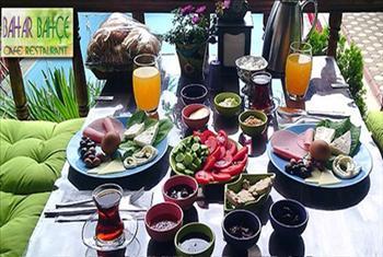 Beylikd�z� Bahar Bah�e Cafe & Restaurant'ta Deniz Manzaras� ve Ye�illikler Aras�nda Enfes Serpme Kahvalt� Keyfi 40 TL Yerine 21,90 TL!