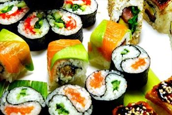 Quick China �ayyolu'nda 15 �e�it Sushiden Diledi�iniz 16 Par�a Sushi Men�s� 23 TL