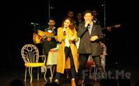 Duru Tiyatro'da Emre Kınay Performansı ile İKİ BEKAR Oyunu Biletleri 60 TL yerine 42 TL!