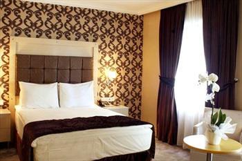 Elite Hotel K���kyal�'da 2 Ki�i Konaklama ve Kahvalt� 139 TL