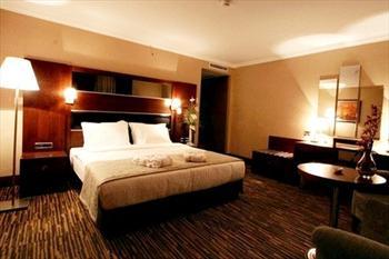 Dream Hill Hotel'de 2 Ki�i 1 Gece Konaklama, A��k B�fe Kahvalt� ve SPA Kullan�m� 159 TL
