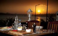 Salacak Cafe 5. Cadde'de Deniz Kenar�nda K�z Kulesi Manzaral� Romantik Bir Ak�am Yeme�i 47 TL Yerine Sadece 32 TL!