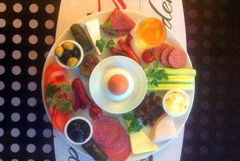 Akbat� AVM Lunch Garden'dan S�n�rs�z �ay E�li�inde Kahvalt� Keyfi 12 TL'den Ba�layan Fiyatlarla!