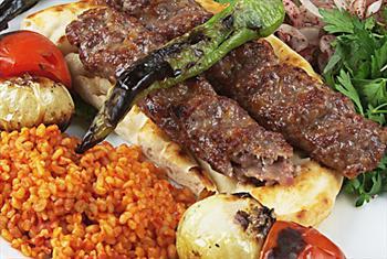 Emin�n� Hanc� Restaurant Cafe'de Her Damak Tad�na Hitap Eden Enfes Yemek Men�s� 32 TL Yerine S�n�rl� Say�da 13,90 TL!