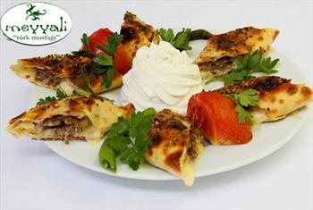 Emirgan Meyyali Restaurant'ta Se�ece�iniz Spesiyal Kebap ve Zengin Lezzetlerden Olu�an Men� 88 TL Yerine 49 TL!