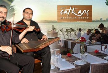 B�y�k�ekmece �at Kap� Restaurant'ta Canl� M�zik E�li�inde Denize Naz�r Yemek Men�s� 75 TL yerine 49 TL!