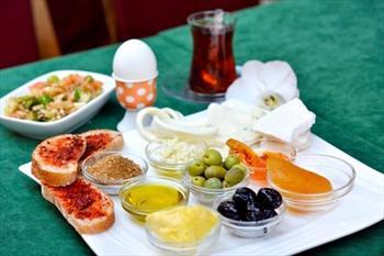 Meyzen Restaurant'ta 2 Ki�ilik Kahvalt� 24,9 TL