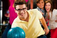 Starcity Pin House Bowling'te i�ecek e�li�inde bowling keyfi 25 TL yerine 9,90 TL'den ba�layan fiyatlarla!
