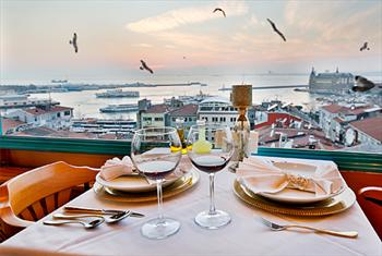Tarihi Kad�k�y Sidonya Hotel Teras Restaurant'ta Bo�az Manzaras�na Kar�� Enfes Ak�am Yeme�i 75 TL Yerine 34,90 TL'den Ba�layan Fiyatlarla!