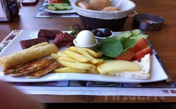 Yemye�il A�a�lar Aras�nda Merter �elale Cafe'de Serpme Kahvalt� Keyfi 25 TL Yerine 14.90 TL!