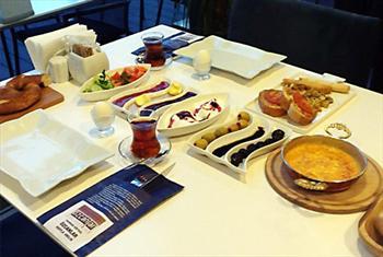 Beylikd�z� �zcanlar Restaurant'ta SINIRSIZ �ay E�li�inde Enfes Serpme Kahvalt� Keyfi 26 TL Yerine 14,90 TL!