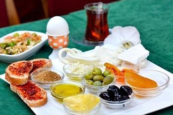 Meyzen Restaurant'ta 2 Ki�ilik Kahvalt� 22,90 TL