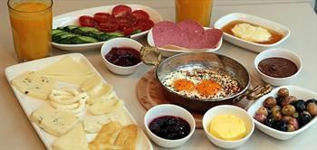 Ni�anta�i Vivano Cafe De 2 Ki�ilik Pankekli Veya Serpme Kahvalti!