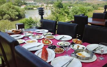Nehir ve G�l Manzaral� A�va Green River Hotel'de Serpme K�y Kahvalt�s� 20 TL'den Ba�layan Fiyatlarla!