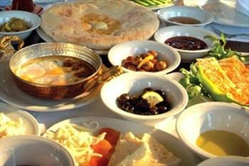 K�y Pazar� Restaurant �irince'de 1 Ki�ilik Serpme K�y Kahvalt�s� 10,9 TL