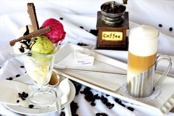 D�nya Kahveleri Teras Cafe&Bistro'da 3 Top Dondurma ve Se�ece�iniz ��ecek 10,90 TL