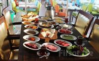 Yeniköy Yalı Cafe Restaurant'ta Boğaza Nazır Serpme Kahvaltı Keyfi 45 TL yerine 40 TL