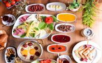 Focaccia Restaurant Esenler'de Her Hafta Sonu Sınırsız Çay Eşliğinde Serpme Kahvaltı Keyfi 65 TL Yerine 32.50 TL'den Başlayan Fiyatlarla