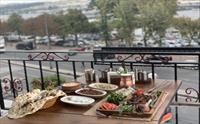 Eminönü Yanık Köşk Restaurant'ta Haliç Manzarası Eşliğinde Lezzetli Kebap Menüleri