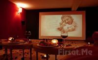 Cihangir Kafika'da Özel Sinema Odasında 2 Kişilik Romantik Sinema Keyfi ve Popcorn